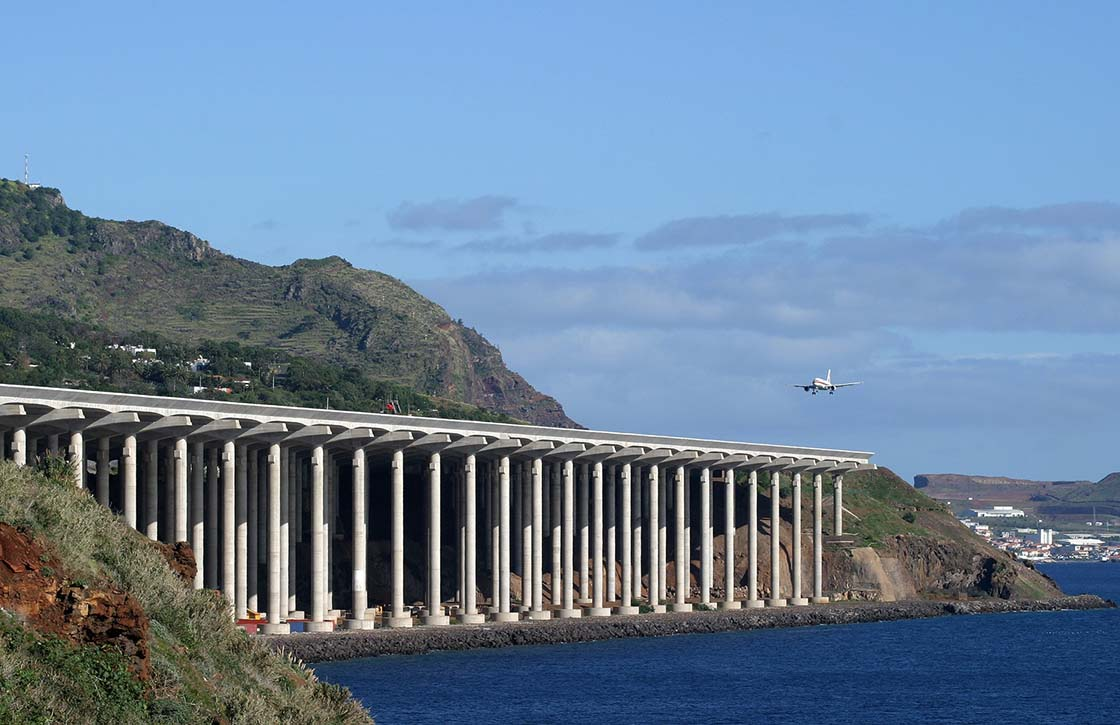 Madeira Airport - Fuente Airliners Net-WEB
